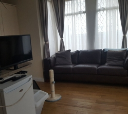 1 Spare Room For Rent in  Palmers Green North London