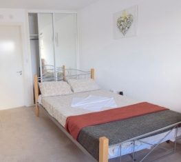 1 Spare Room For Rent in  Silvertown East London